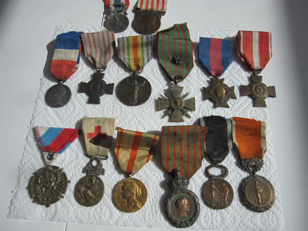 Lot de médailles militaria Img_7310