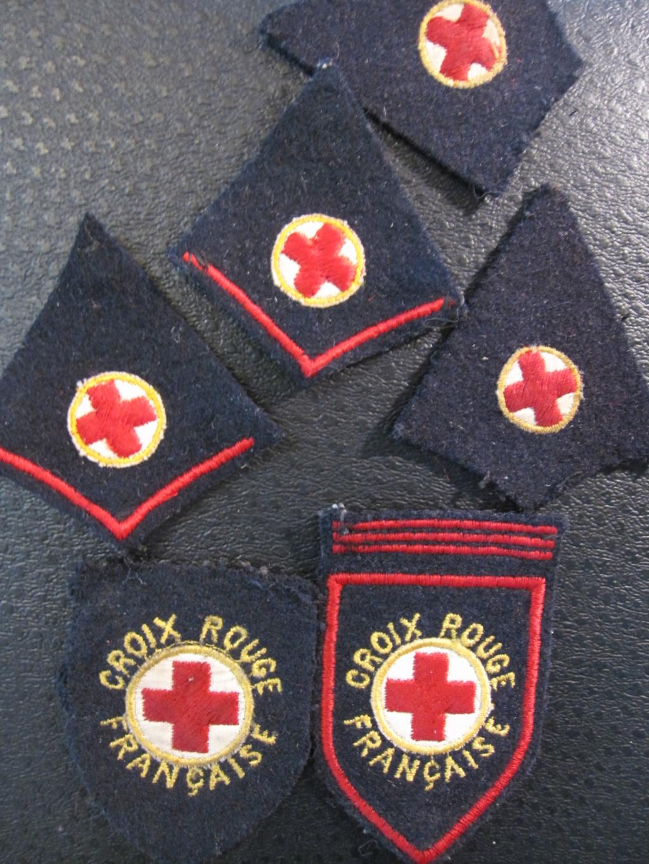 Insignes de la croix rouge Img_8727