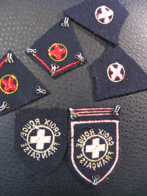Insignes de la croix rouge Img_8728