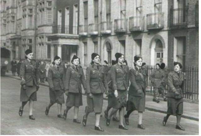 A propos du 18 juin 1940 et des Français Libres Inconn10