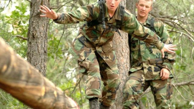 Encadrement militaire pour jeunes délinquants Soldie10