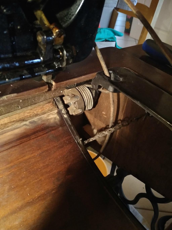 Rénovation d'une Singer 15k de 1929 Img_2012