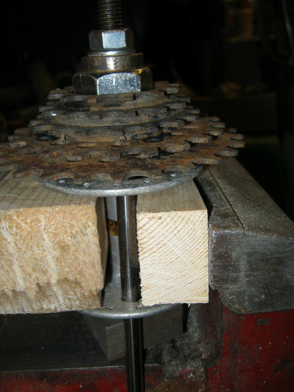 Comment démonter une roue libre vissée sur un moyeu non rayonné ? Rl_sur11
