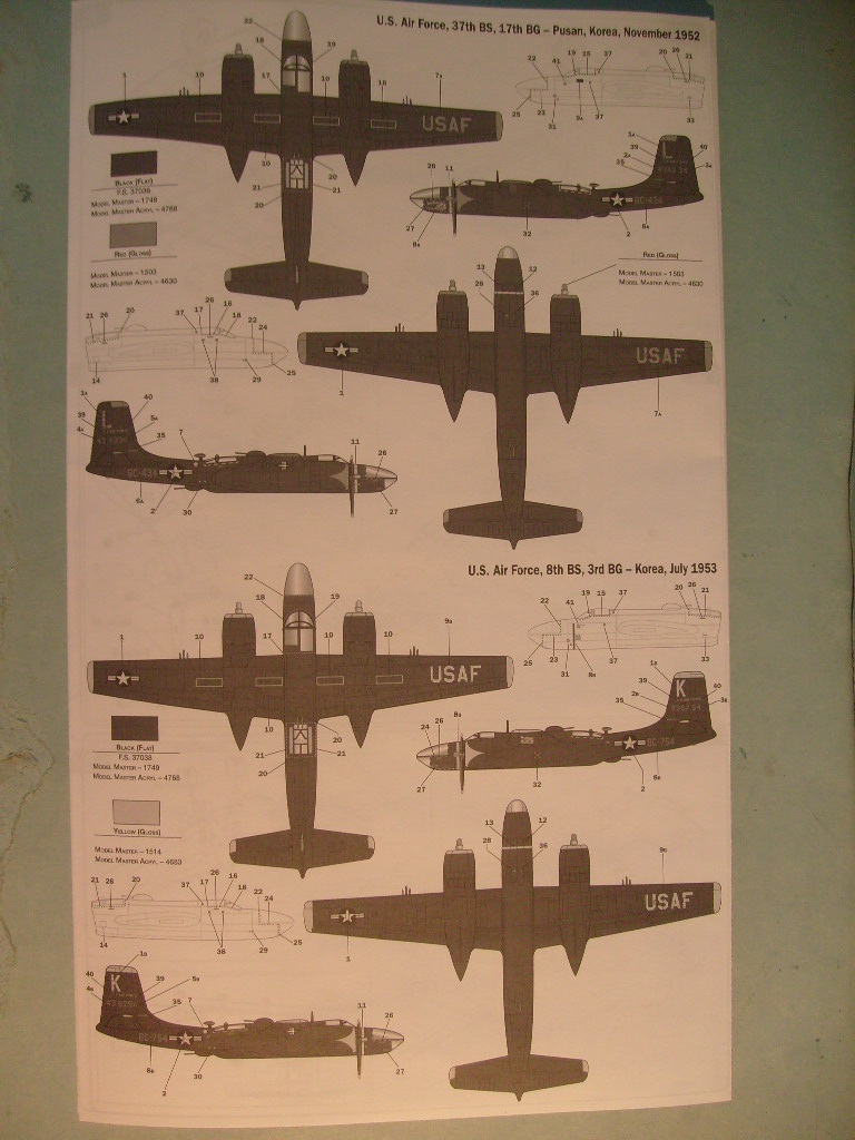 Multi-présentations ITALERI DOUGLAS A 26 C / K INVADER 1/72ème Réf 1259 & 1249 et REVELL DOUGLAS A 26B INVADER 1/72ème Réf 04310 S7300540