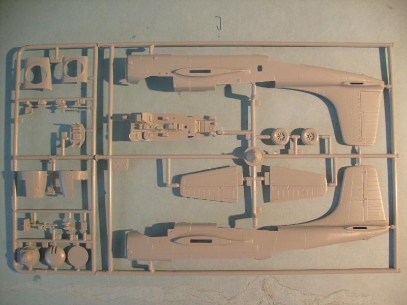 Multi-présentations ITALERI DOUGLAS A 26 C / K INVADER 1/72ème Réf 1259 & 1249 et REVELL DOUGLAS A 26B INVADER 1/72ème Réf 04310 S7300543