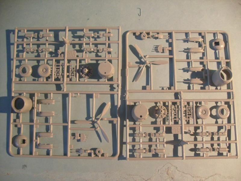 Multi-présentations ITALERI DOUGLAS A 26 C / K INVADER 1/72ème Réf 1259 & 1249 et REVELL DOUGLAS A 26B INVADER 1/72ème Réf 04310 S7300545