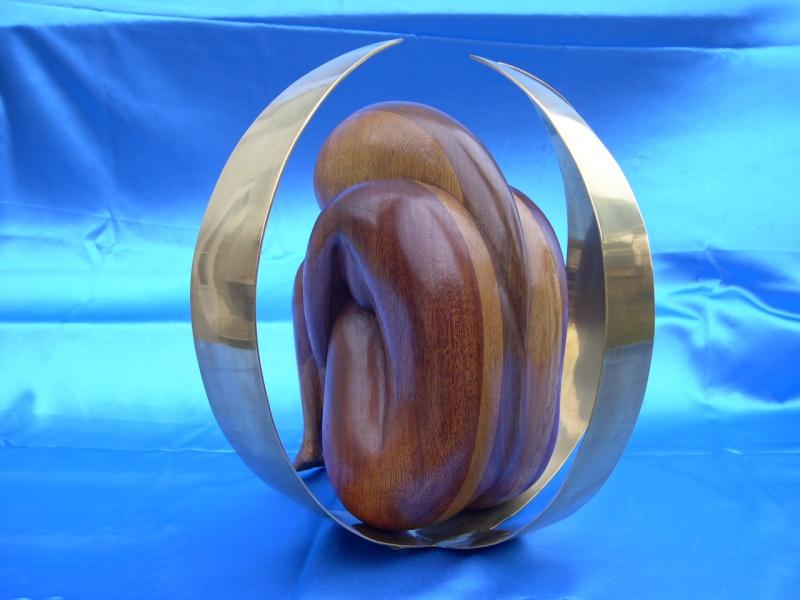 Sculpture avec assemblage de morceaux de bois Introv12