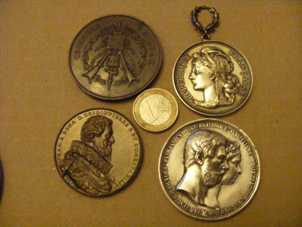 Lanterne et médailles Dscf3314