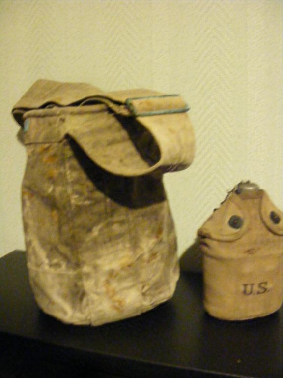 Canvas grenade bucket. Dscf3938