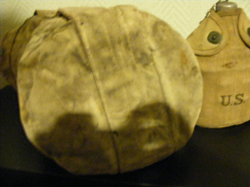 Canvas grenade bucket. Dscf3942
