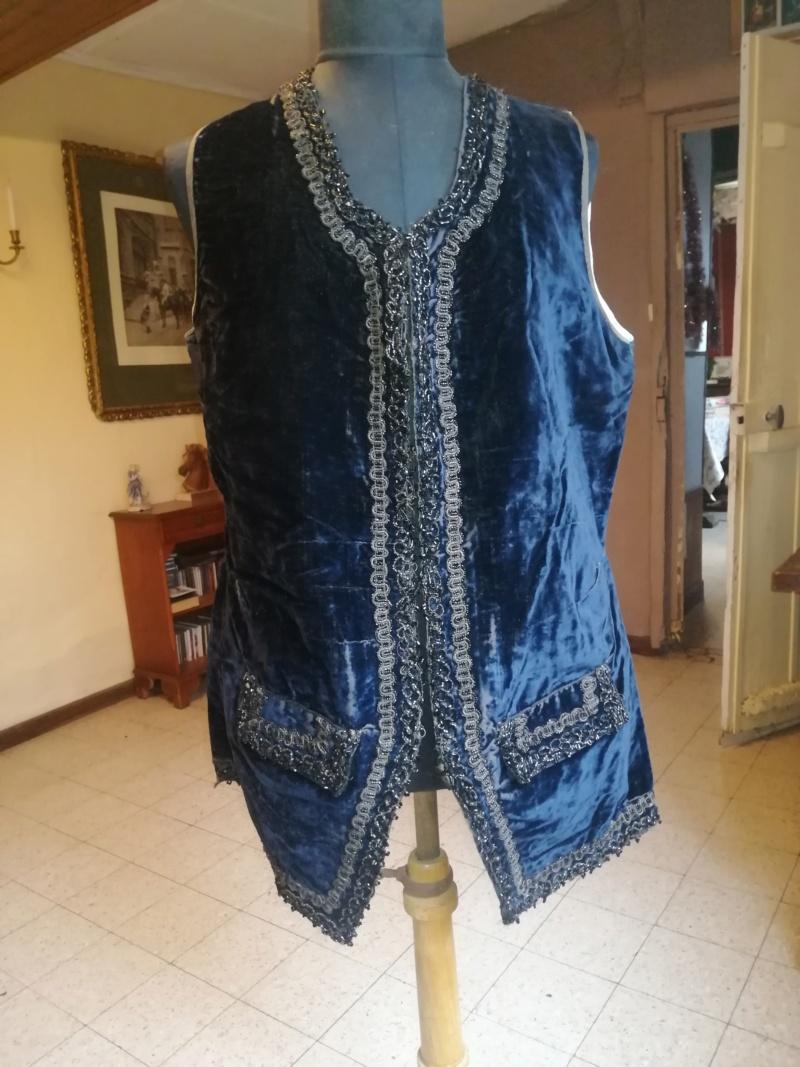 La mode vestimentaire,   plus précisément autour de 1780 Img_2043