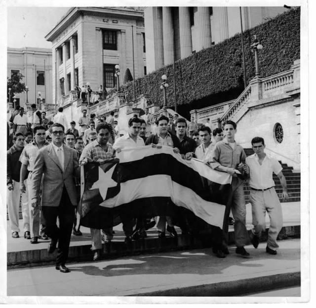 CUBANEANDO: HISTORIA DE CUBA EN IMAGENES - Página 2 Frucut10