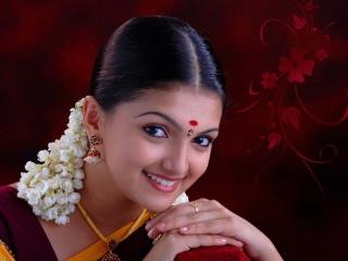 Saranya Mohan graduates to play heroine Actres10