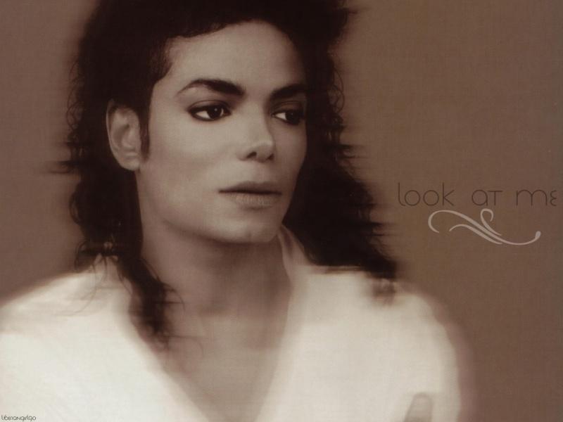 Quale foto di Michael usate per il desktop? Wall3e10