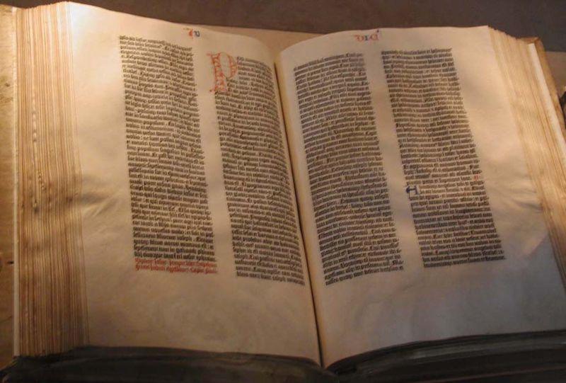 Les Grandes Bibliothèques du Monde Gutten10
