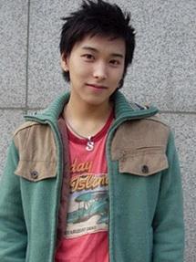 Lee Teuk và Sung Min nói về mẫu người lí tưởng 3799su10