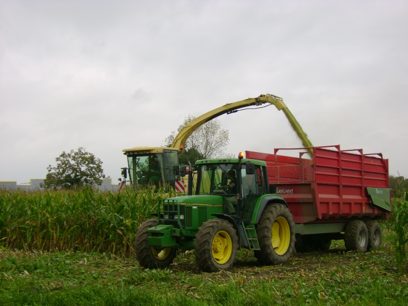 Ensilage de maïs 2008 - Page 4 Dsc04713
