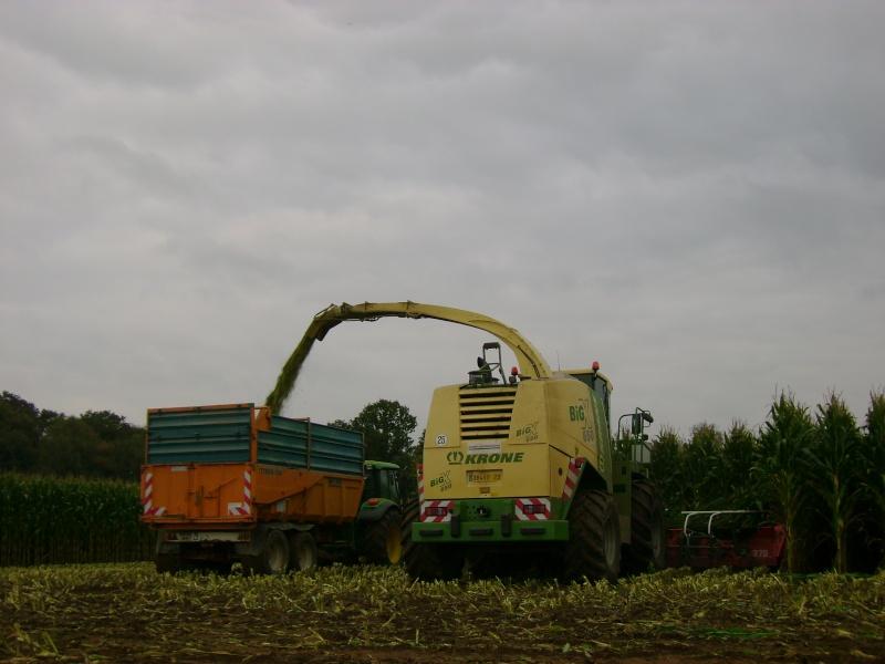 Ensilage de maïs 2008 - Page 4 Dsc04716