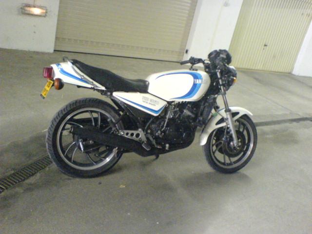 Votre première moto? Dsc00710