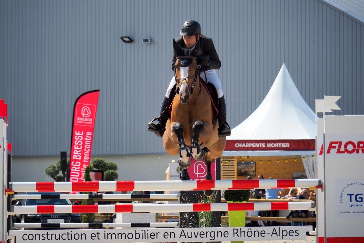 Conseil réglage FZ2000 pour photo équitation saut d'obstacles P5201712