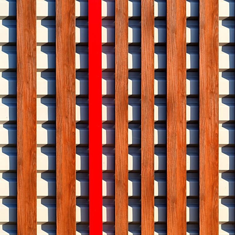 Rouge et bois Pb159811