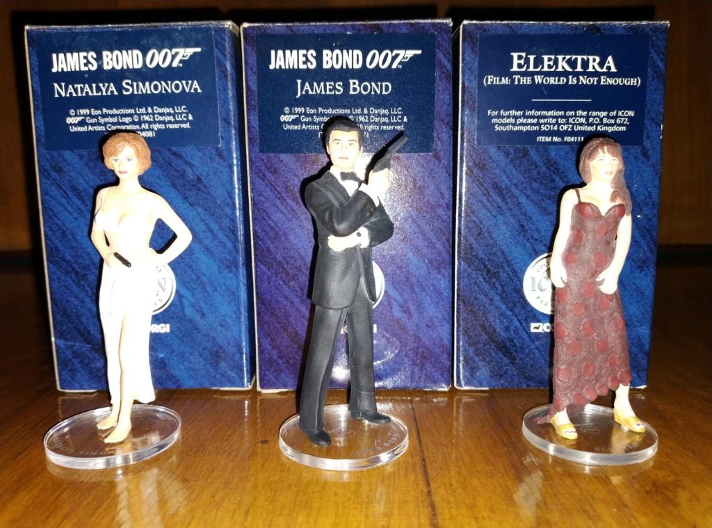 James Bond Agente 007 (collezione di spezialagent) - Pagina 2 Img_2034