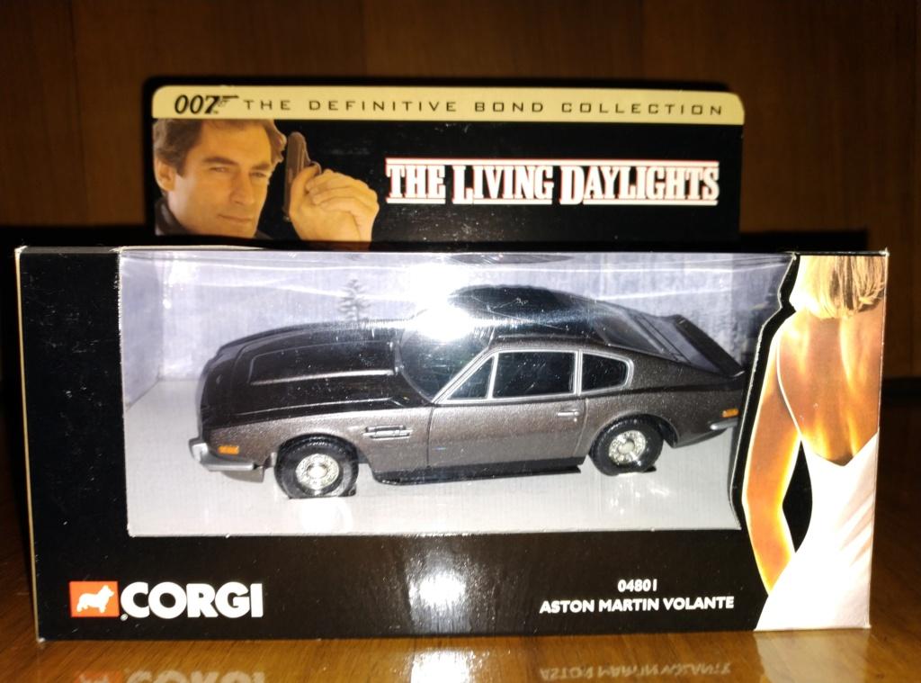 James Bond Agente 007 (collezione di spezialagent) - Pagina 2 Img_2041