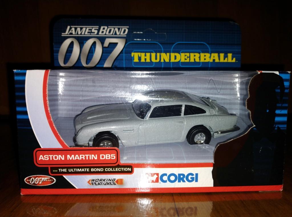 James Bond Agente 007 (collezione di spezialagent) - Pagina 2 Img_2045