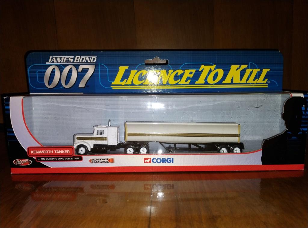 James Bond Agente 007 (collezione di spezialagent) - Pagina 2 Img_2051