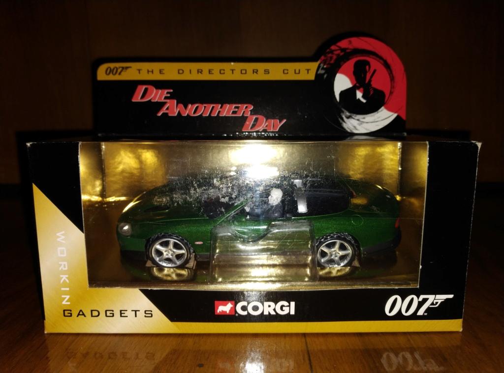 James Bond Agente 007 (collezione di spezialagent) - Pagina 2 Img_2055