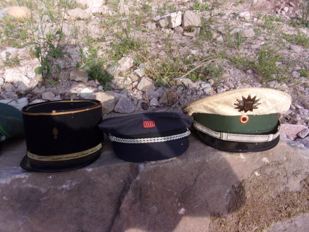 lot de casquette russe, allemande?  337_0411