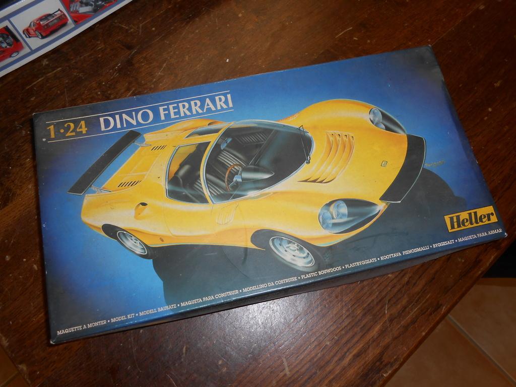 Une Dino Heller et une 911 Flat Nose Monogram Dscn7413