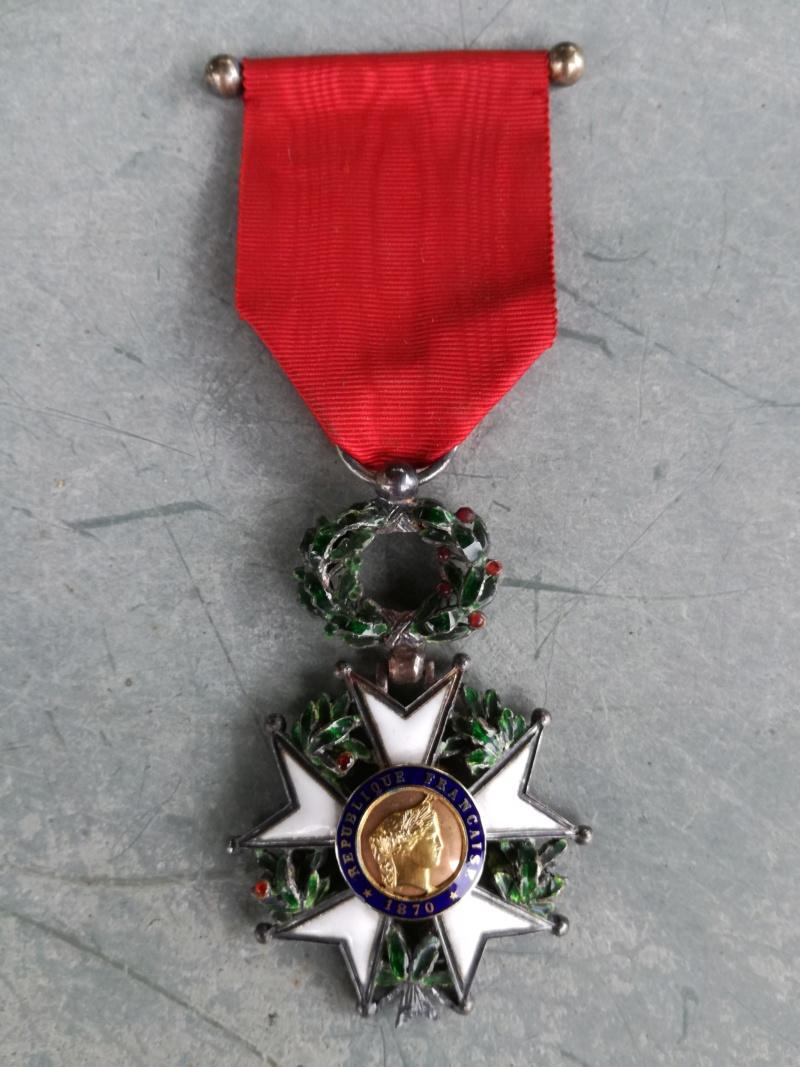 Deux Légions d'honneur dont une vraiment sympathique ... Img_2014