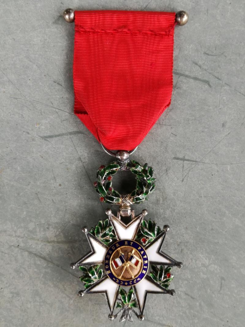 Deux Légions d'honneur dont une vraiment sympathique ... Img_2015