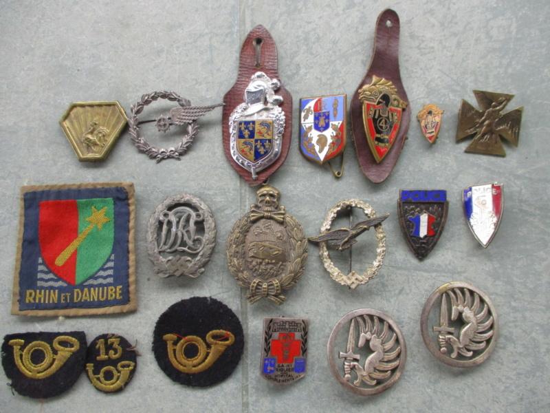 Insignes et médailles en abondance + bricoles Img_2427