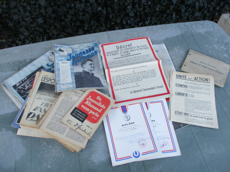 De la semaine : CEFI, Adrian, Papiers, Médailles, képi, jumelles ... Img_5919