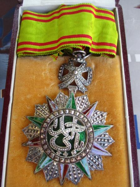 Deux mois de trouvailles (Médailles, insignes, Vichy, LVF, LFC ...) Img_7112