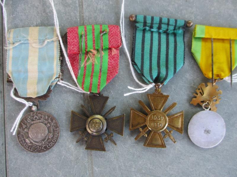 Deux mois de trouvailles (Médailles, insignes, Vichy, LVF, LFC ...) Img_7121