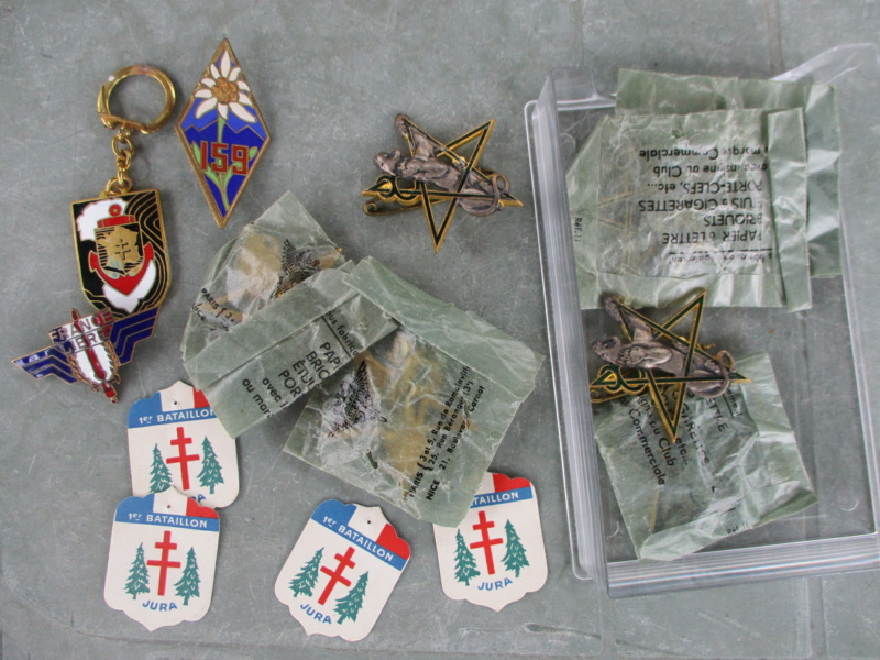 D'hier et d'aujourd'hui : insignes, médailles, papiers ... Img_8015