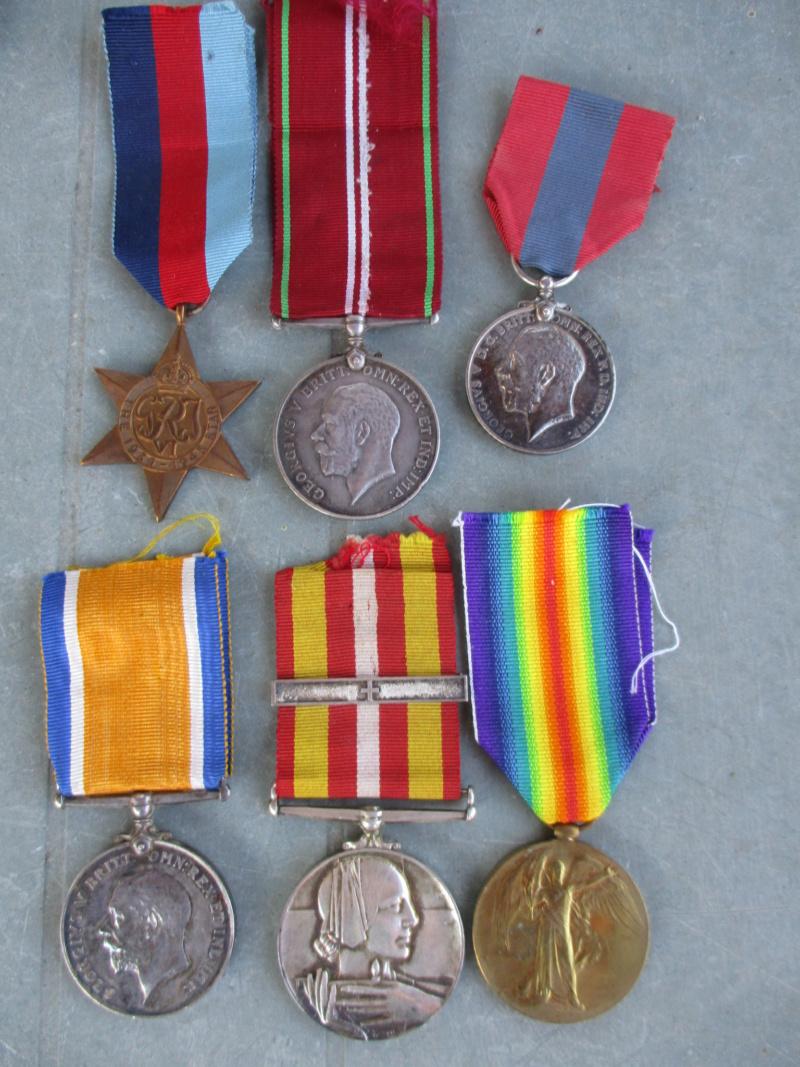 Beau lot de médailles chez le particulier Img_9320