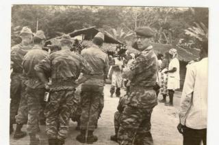 Camp général de Gaulle au Gabon Pau_ga10