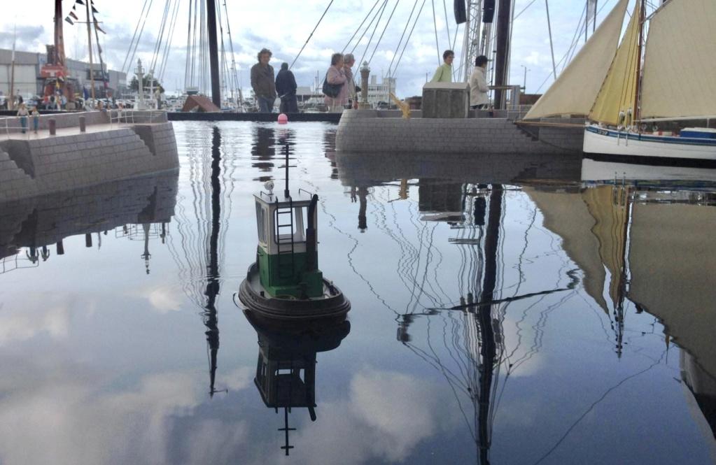 Petit «workboat» réalisé par wadone 74069010