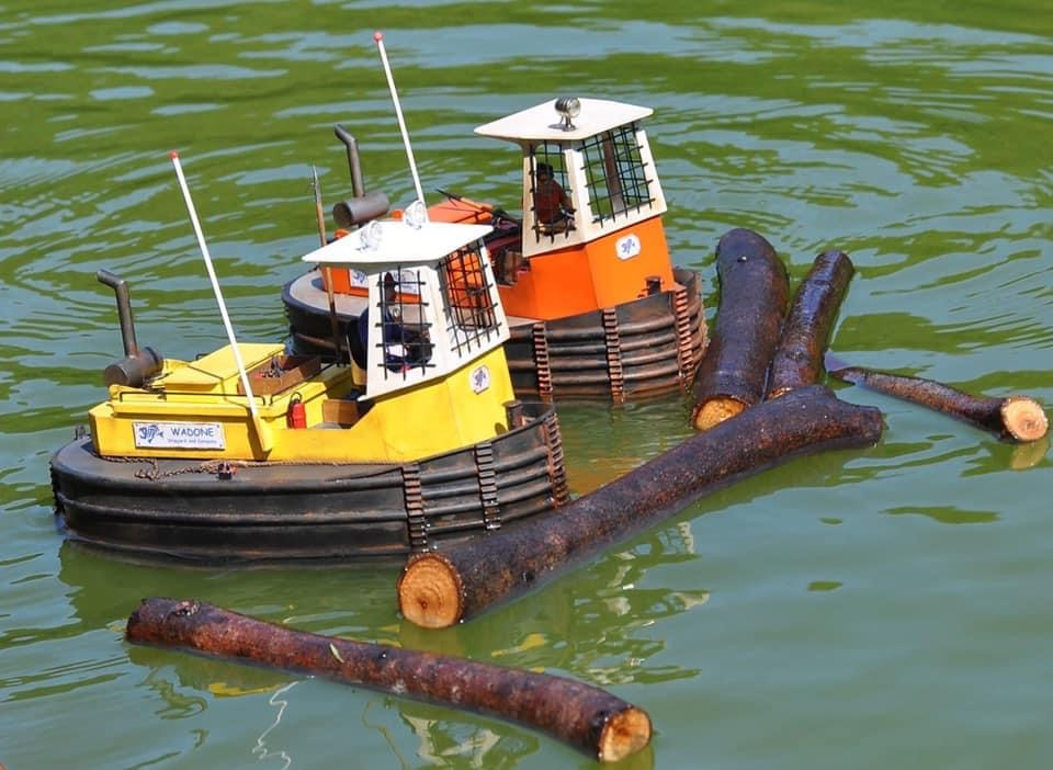 Petit «workboat» réalisé par wadone E1368f10