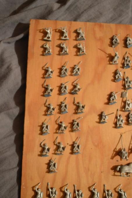 A vendre, bradé ! Armée musulmane 12ème-13ème siècle, 15 mm Dsc_0083