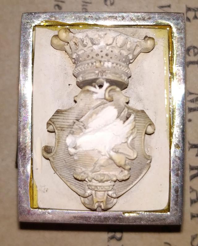 Pilulier ou tabatière ? (boîte 4 x 2,5 cm, écume de mer et argent) - Page 5 Boite_31