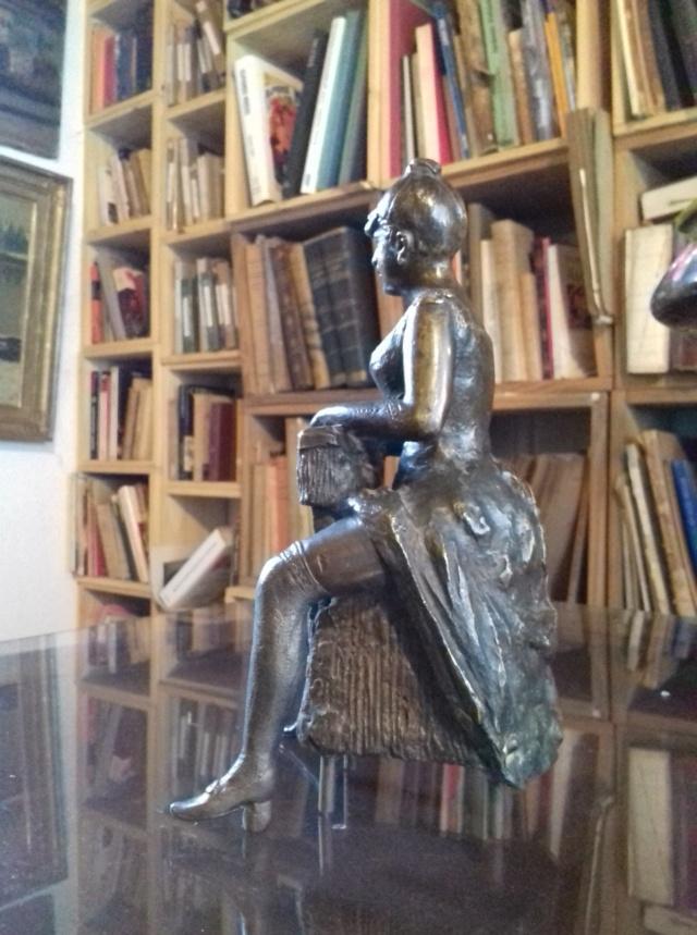 Bronze, fille de joie (?), fonte médiocre, sans cachet de fondeur Bronze10