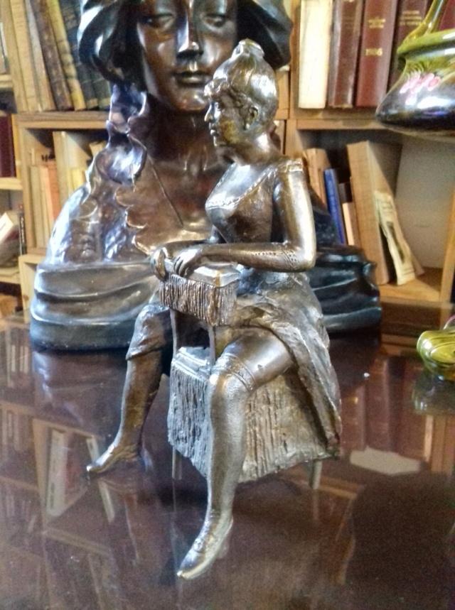 Bronze, fille de joie (?), fonte médiocre, sans cachet de fondeur Bronze12