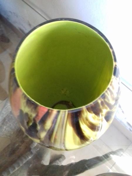 Paire de vases bicouche, sur socles en verre Pairev13