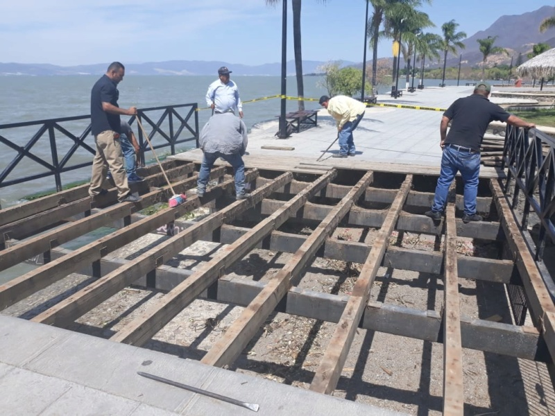 Ajijic Malecon Bench Project - Page 7 Img-2012