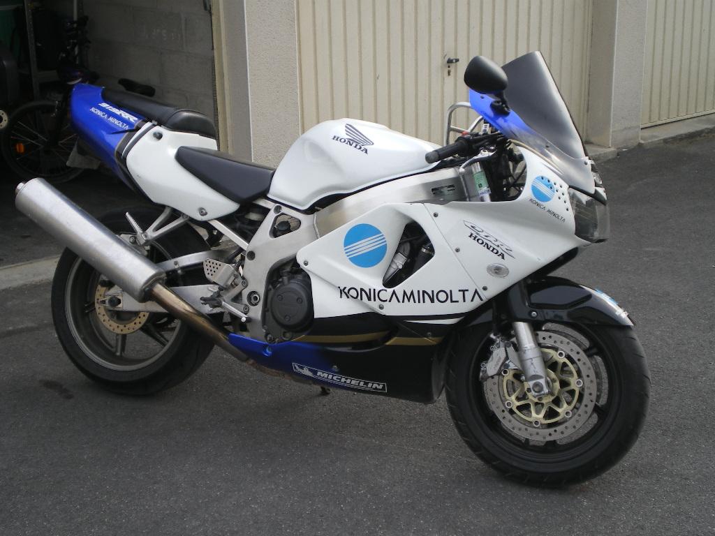 vos motos avant la FJR? Imgp4210